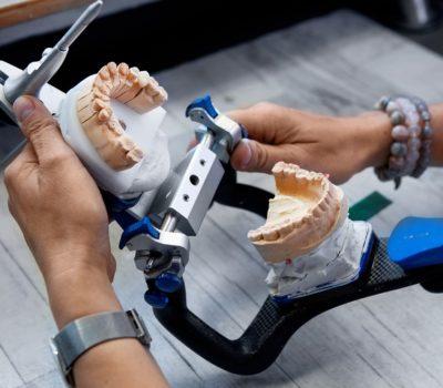 Niedopasowana proteza 1